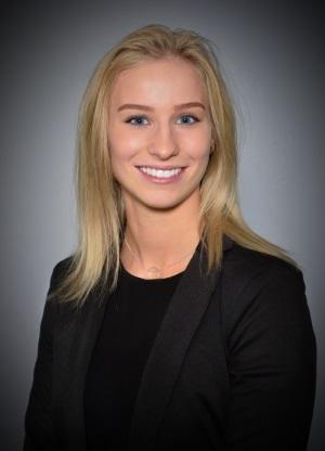 headshot Hannah Grünwald